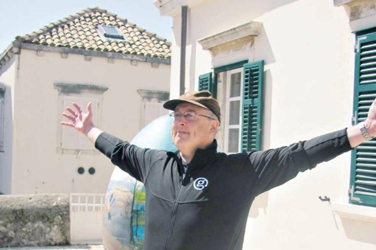 Gary Arndt on TravelWriting2.com